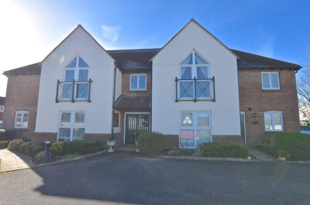 2 Bedrooms Apartment Flat for sale in Clarendon Mews, Parkers Lane, Ashtead, KT21
