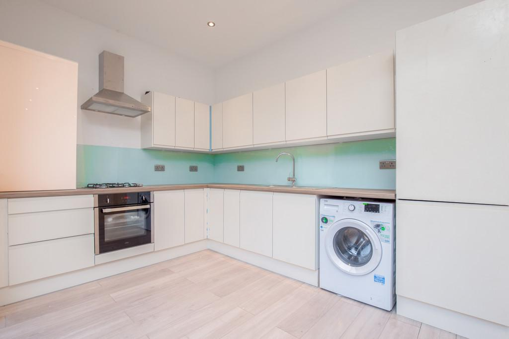 3 Bedrooms Ground Flat for sale in Park Avenue, Willesden, London