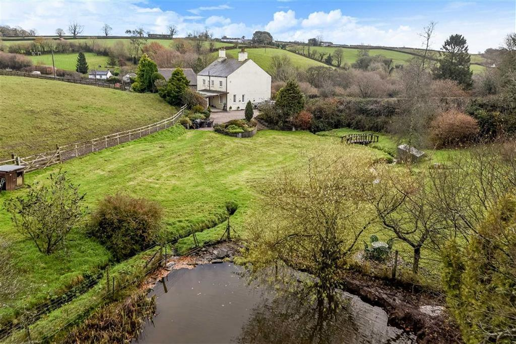 4 Bedrooms Detached House for sale in Tavistock, Devon