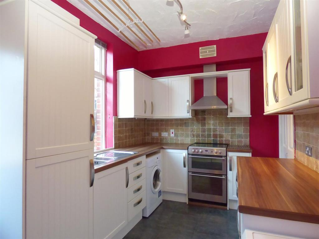 2 Bedrooms Terraced House for sale in Vine Street, Cleckheaton