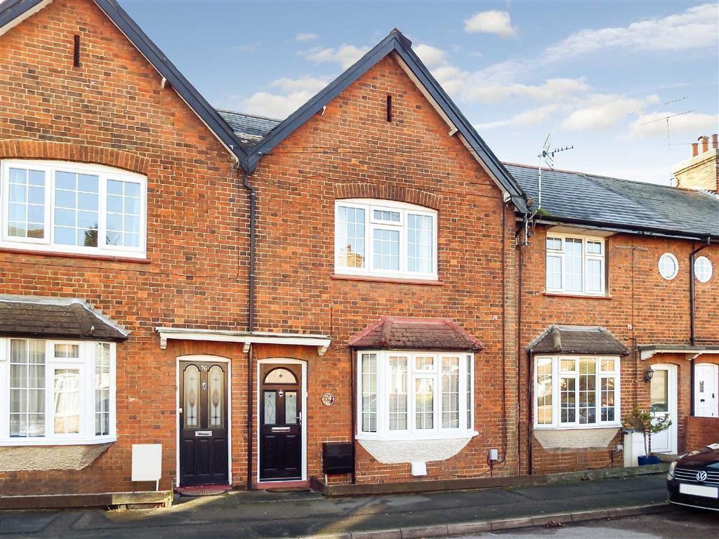 2 Bedrooms Terraced House for sale in Basils Road, Stevenage, Hertfordshire, SG1
