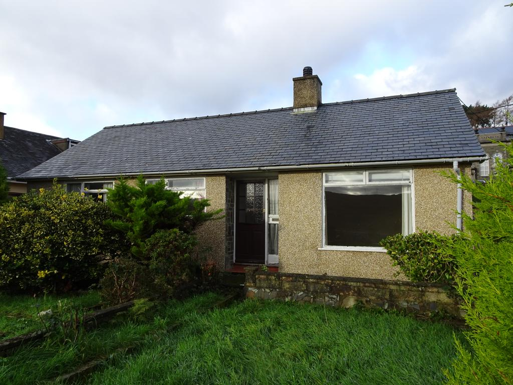 3 Bedrooms Detached Bungalow for sale in Gwynfor, Penrhyndeudraeth LL48