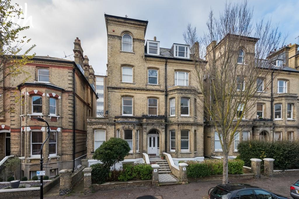 2 Bedrooms Flat for sale in Second Avenue, Hove BN3