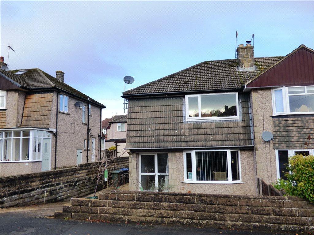 3 Bedrooms Semi Detached House for sale in Birchlands Grove, Wilsden, Bradford, West Yorkshire