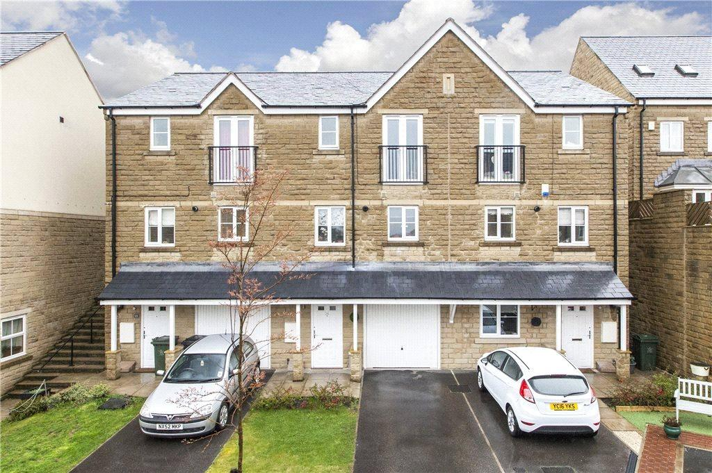 3 Bedrooms Town House for sale in Birkshead Mews, Wilsden, West Yorkshire