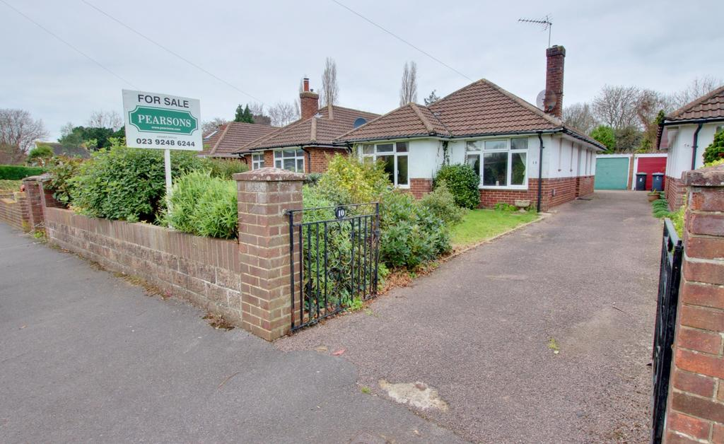 2 Bedrooms Bungalow for sale in Warblington