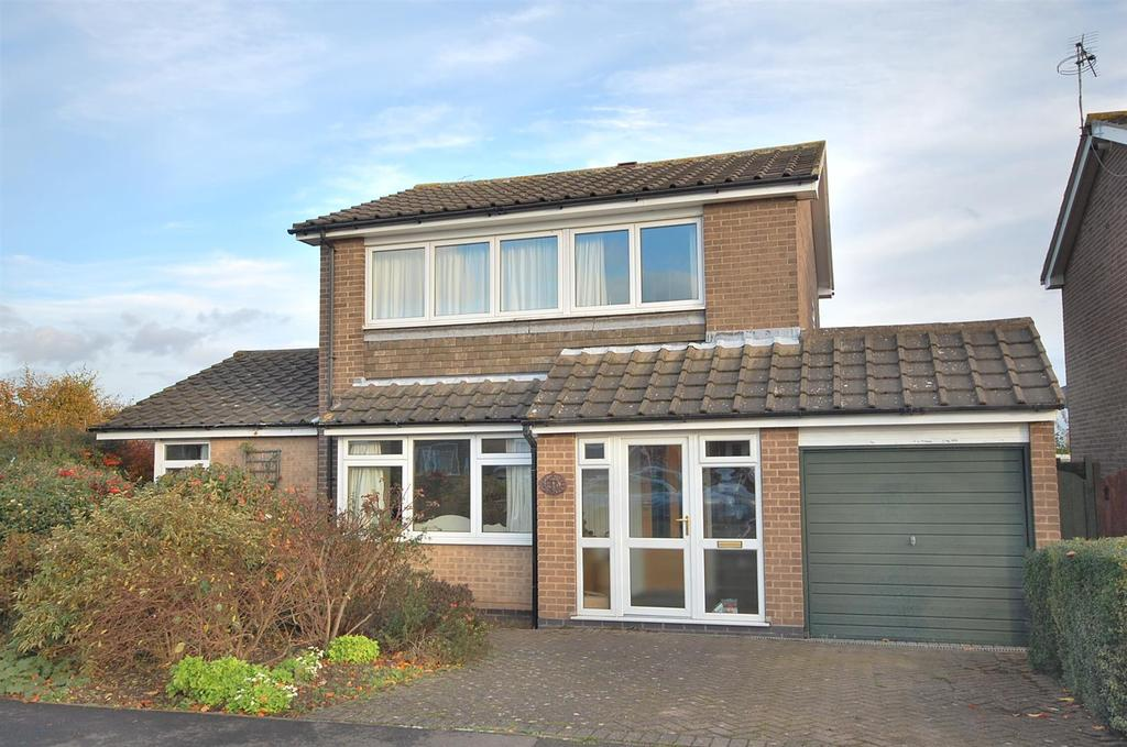 3 Bedrooms Detached House for sale in Hoe View Road, Cropwell Bishop