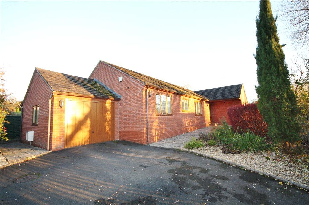 3 Bedrooms Detached Bungalow for sale in Martley Road, Lower Broadheath, Worcester, Worcestershire, WR2