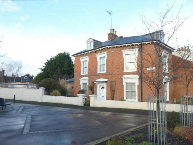 4 Bedrooms Detached House for sale in South Street, Banbury