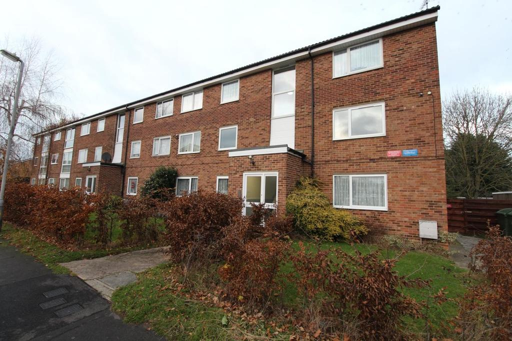 1 Bedroom Apartment Flat for sale in Elderberry Gardens, Witham, Essex, CM8