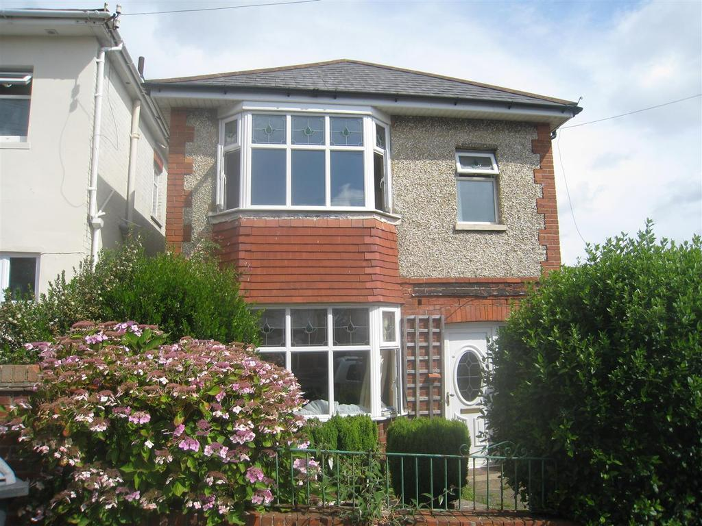 3 Bedrooms Detached House for sale in Pine Road, Bournemouth