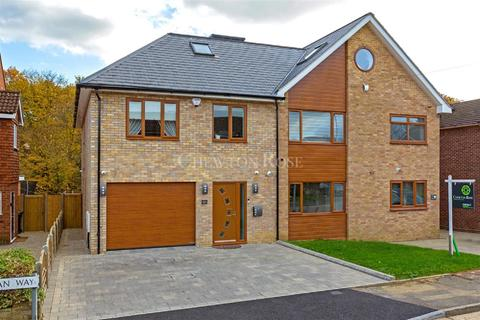 5 bedroom semi-detached house for sale - Woolhampton Way, Chigwell, IG7