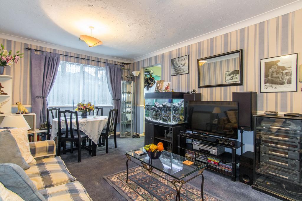 Studio Flat for sale in Allington Close, Greenford