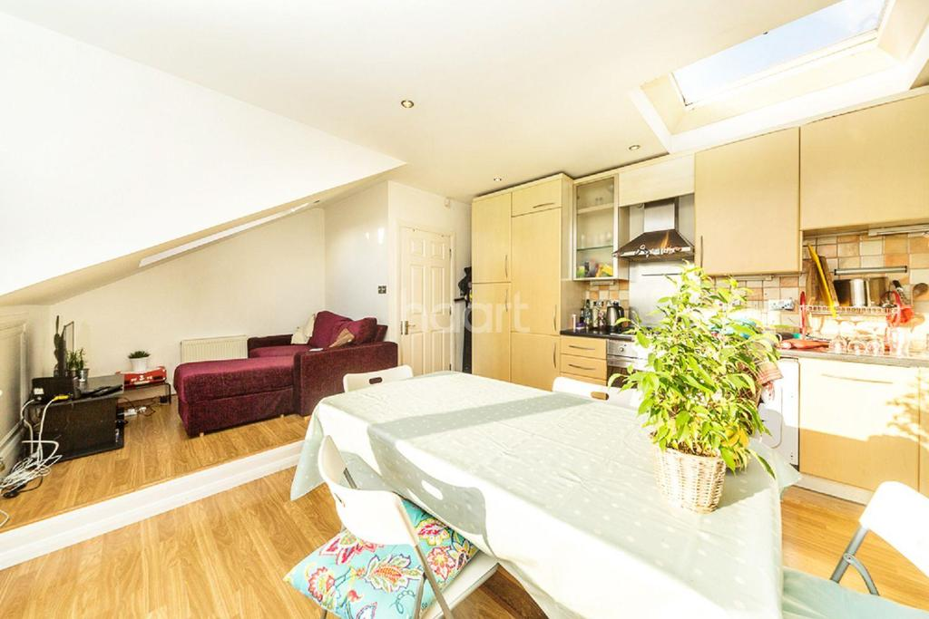 1 Bedroom Flat for sale in Mount Nod Road, Streatham, SW16