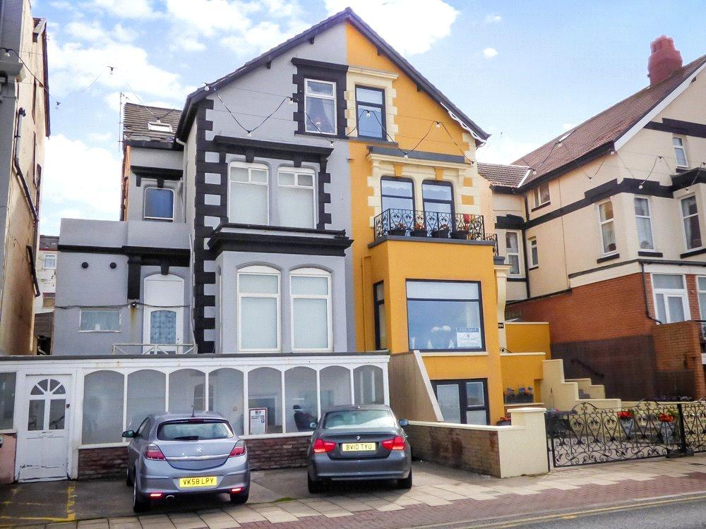 2 Bedrooms House for sale in The Beach, The Promenade, Blackpool, Lancashire
