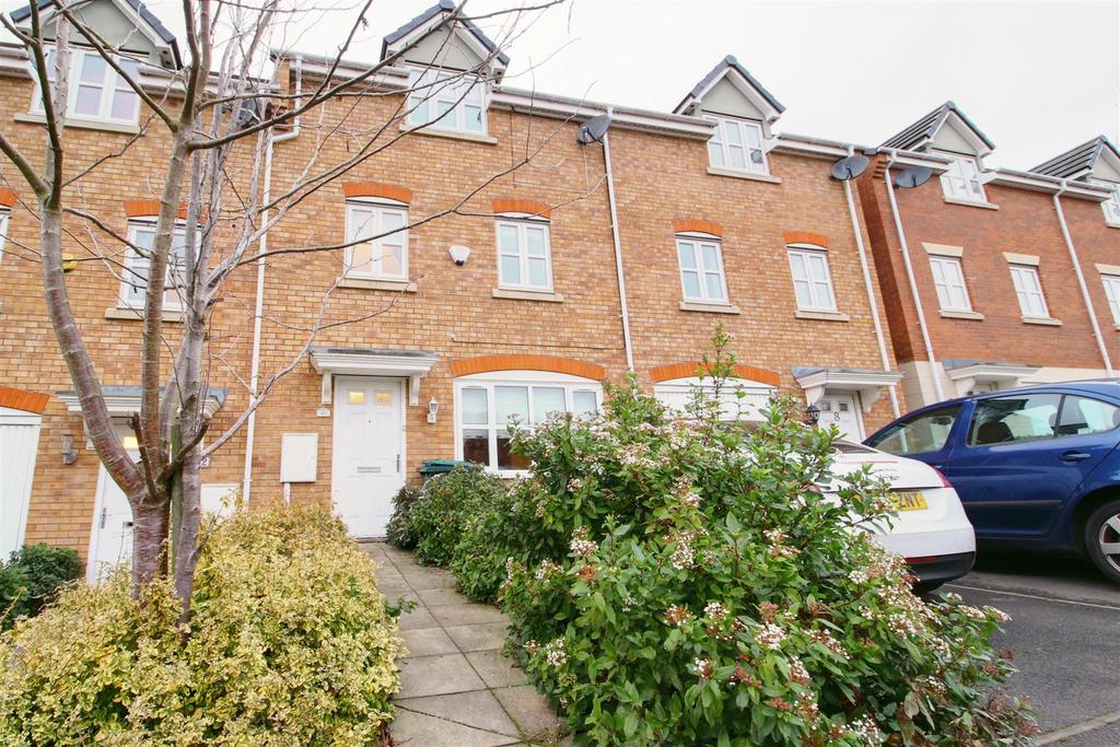 3 Bedrooms Town House for sale in Tremelay Drive, Tile Hill, Coventry