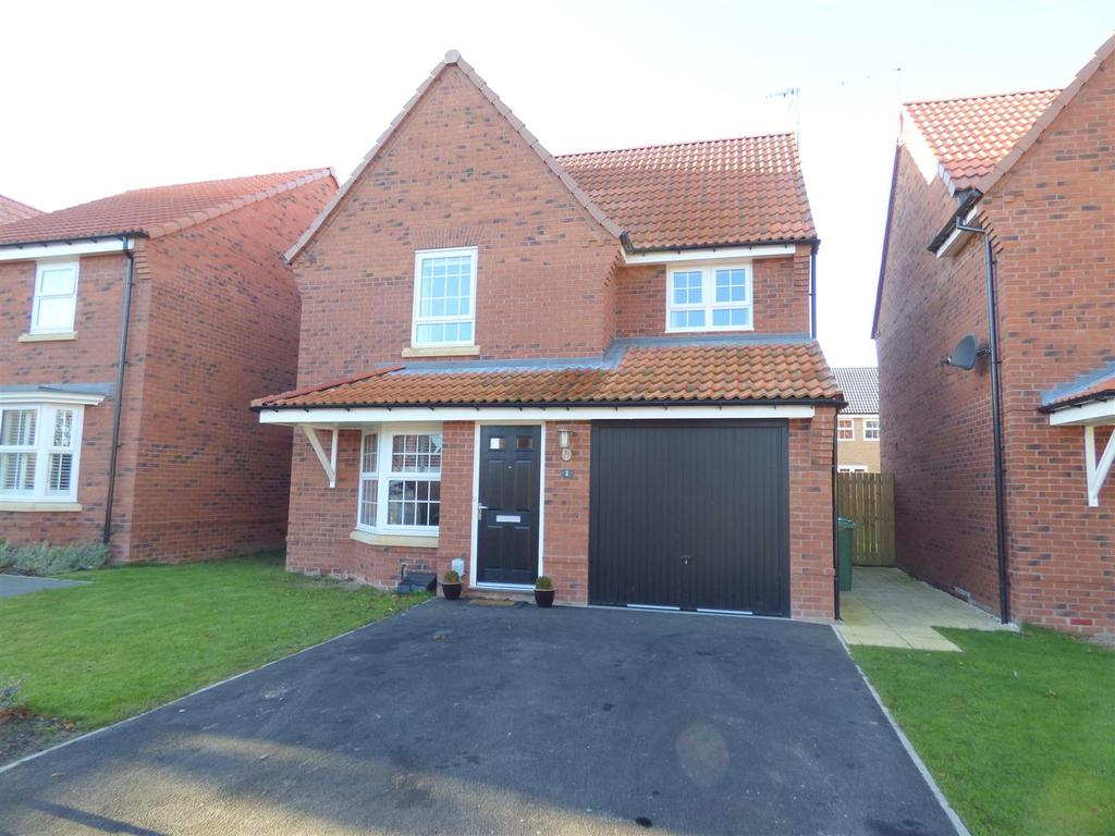 3 Bedrooms Detached House for sale in 2 Hogan Close, Beverley, East Yorkshire, HU17 7EY