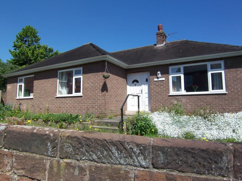3 Bedrooms Bungalow for rent in 16 Greenhill Avenue, Copthorne, Shrewsbury, SY3 8NR
