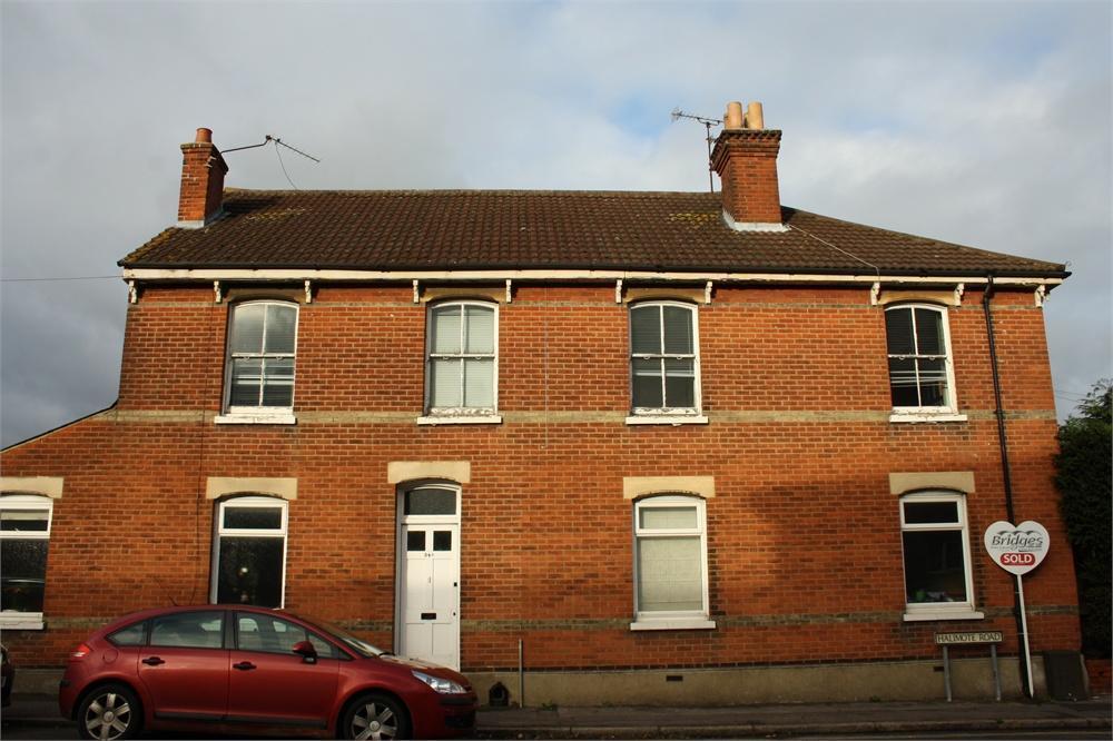 1 Bedroom Maisonette Flat for sale in The Grove, Aldershot, Hampshire