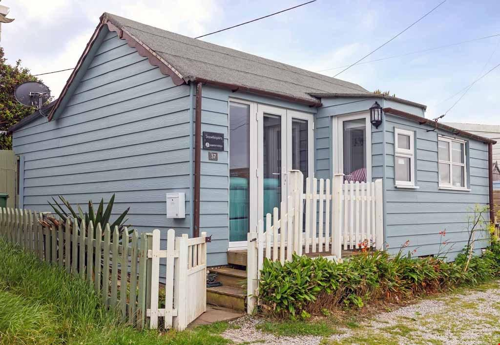 2 Bedrooms Detached Bungalow for sale in Gwithian Towans, Gwithian, St Ives Bay,Cornwall, TR27