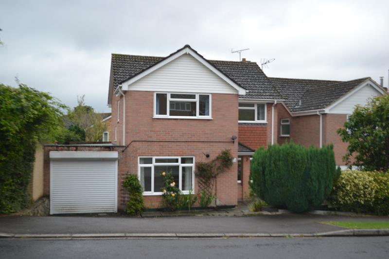 4 Bedrooms Detached House for rent in Caerleon Drive, Andover, SP10 4DE