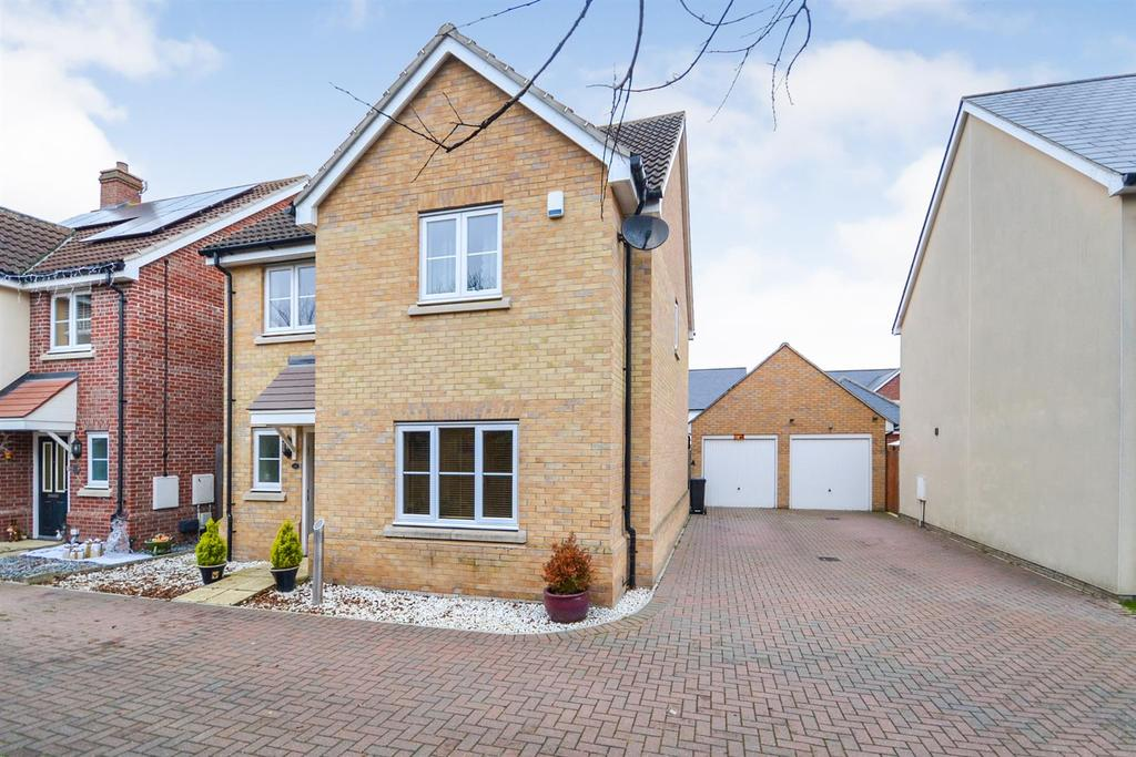 4 Bedrooms Detached House for sale in The Spinnaker, St. Lawrence, Southminster