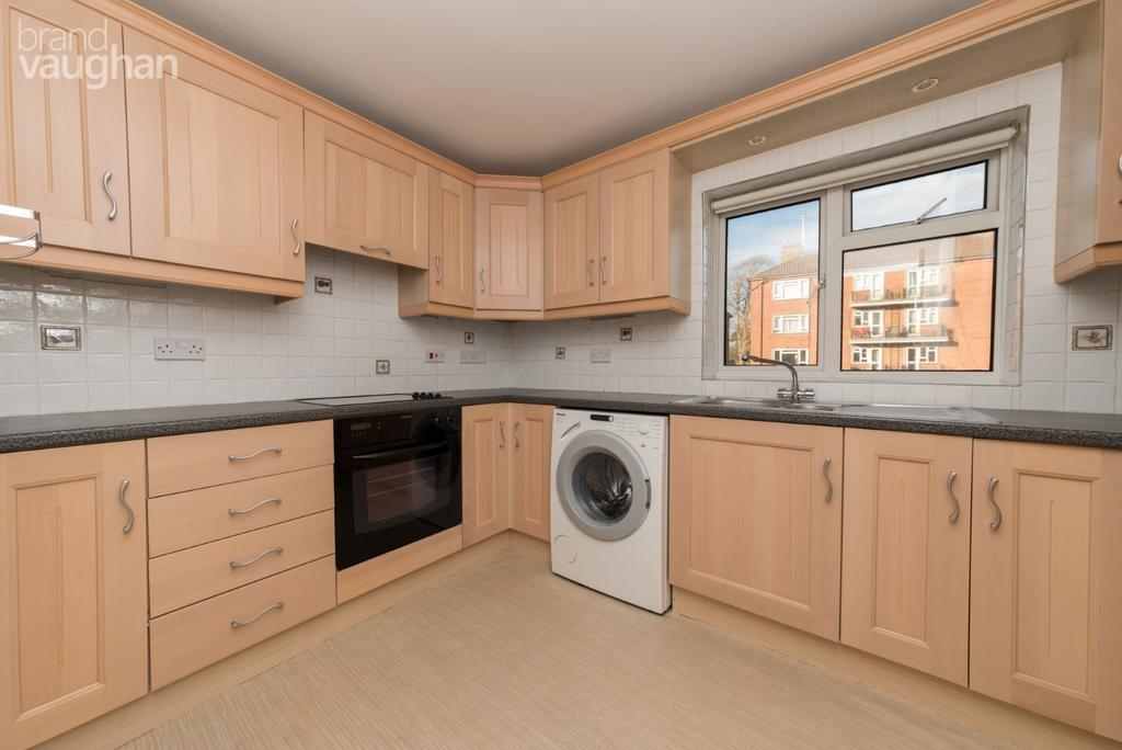 2 Bedrooms Apartment Flat for rent in Cliveden Court, Cliveden Close, Brighton, BN1