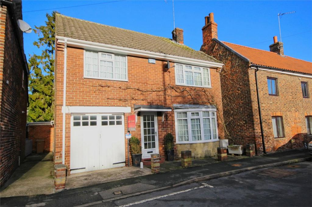 3 Bedrooms Detached House for sale in Main Street, Cherry Burton, East Riding of Yorkshire