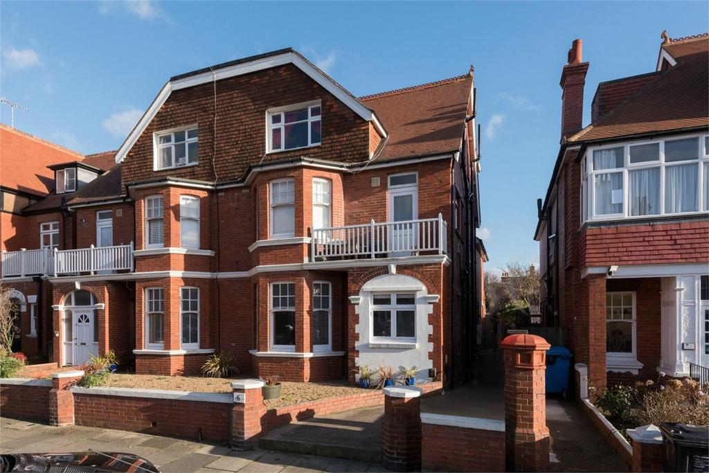 Studio Flat for sale in Aymer Road, Hove, East Sussex