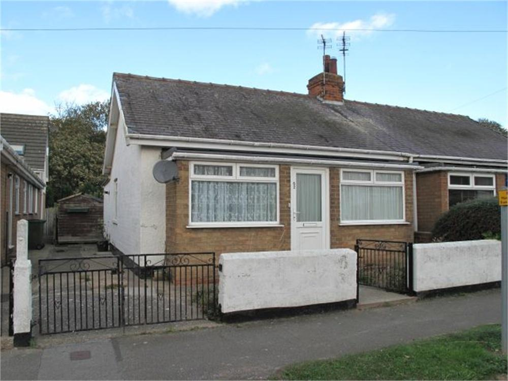 2 Bedrooms Semi Detached Bungalow for sale in 62, Park Avenue, Withernsea