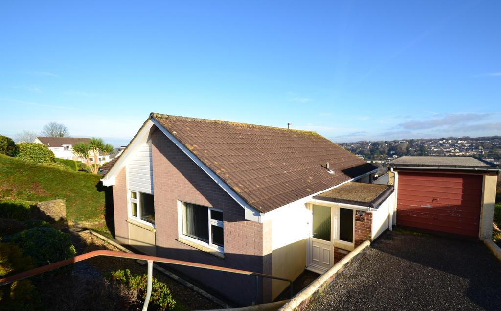 2 Bedrooms Bungalow for sale in Bosvenna View, Bodmin