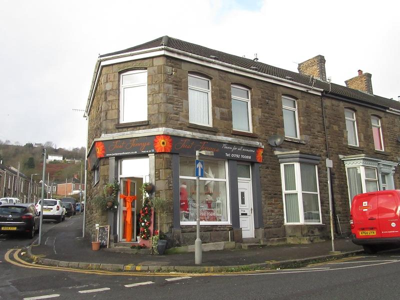 2 Bedrooms End Of Terrace House for sale in Martin Street, Morriston, Swansea.