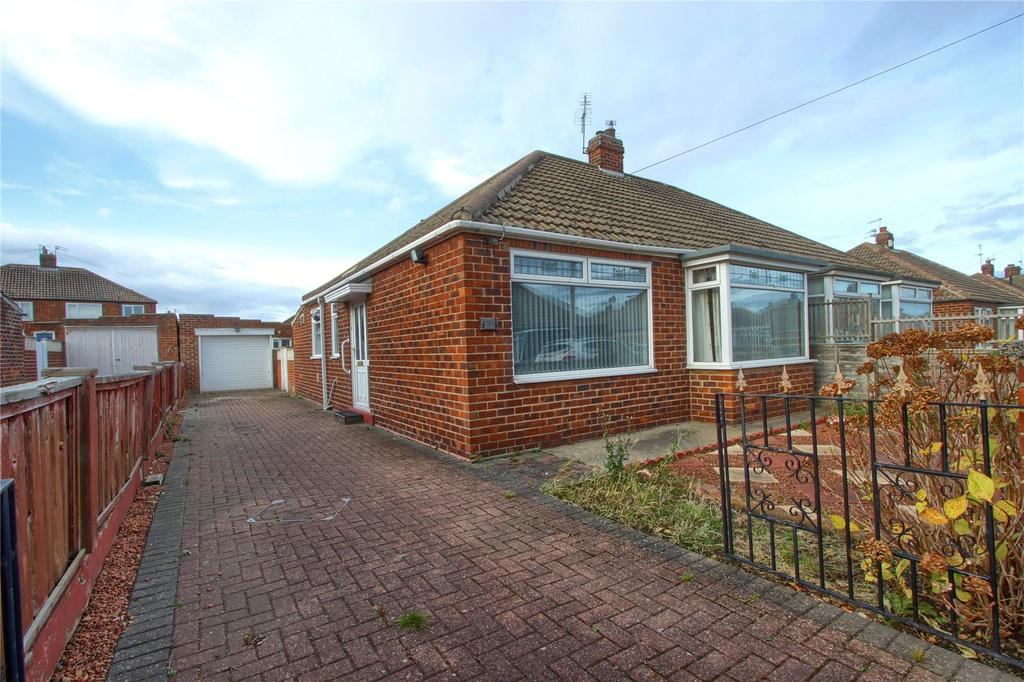 2 Bedrooms Semi Detached Bungalow for sale in Middlefield Road, Marske-by-the-Sea