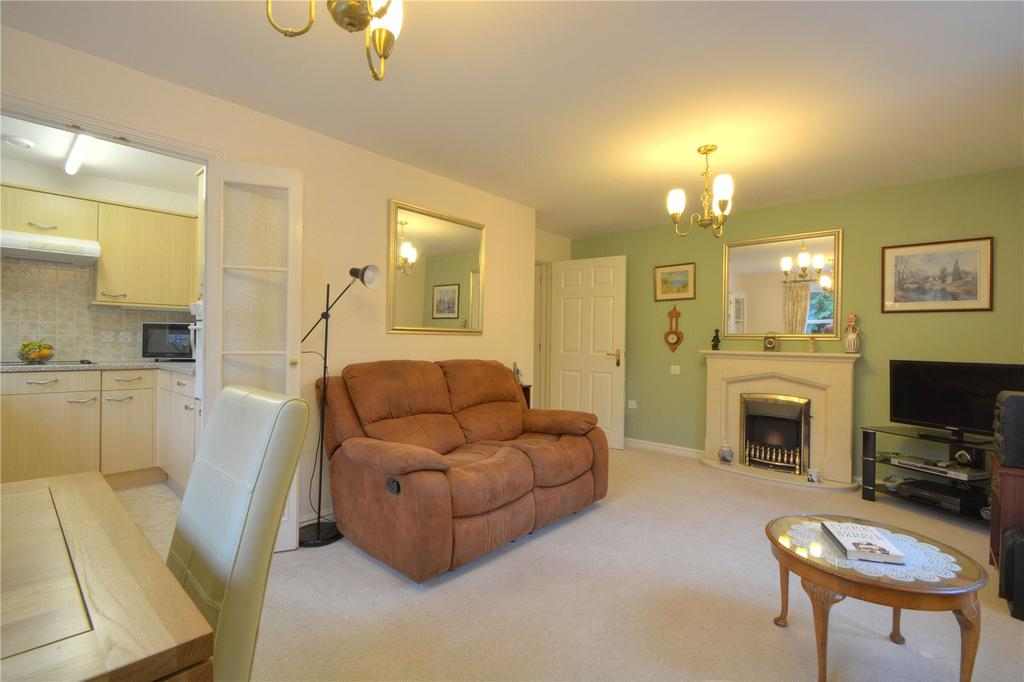 1 Bedroom Retirement Property for sale in Radford Court, Tower Road, Liphook, Hampshire