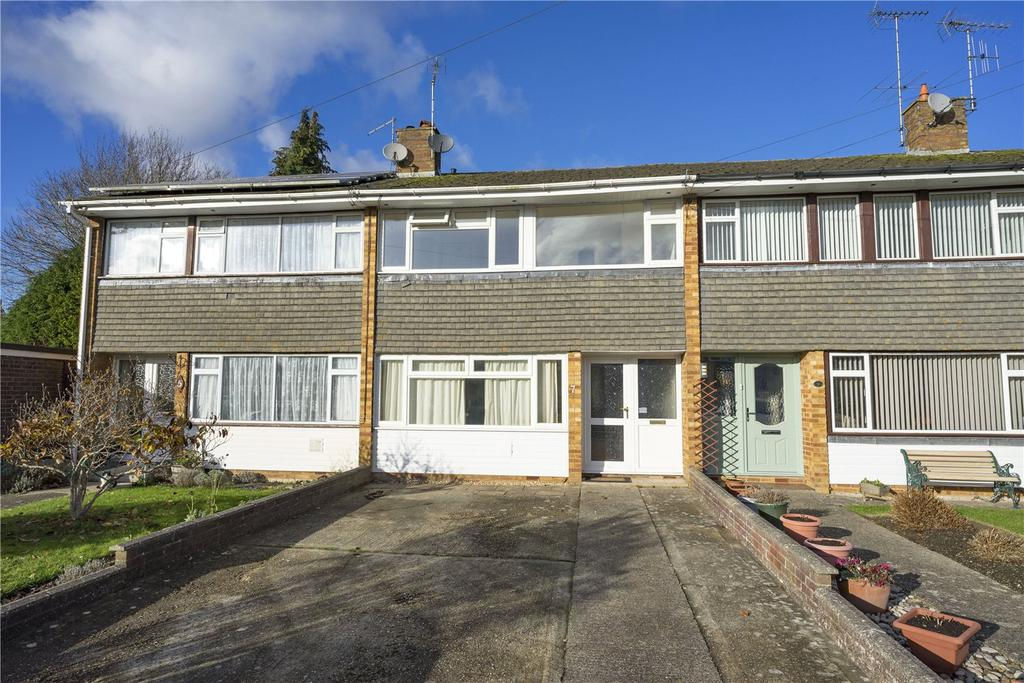 3 Bedrooms Terraced House for sale in Gauvain Close, Alton, Hampshire
