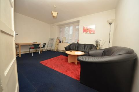 4 bedroom flat to rent - Stockwell SW9