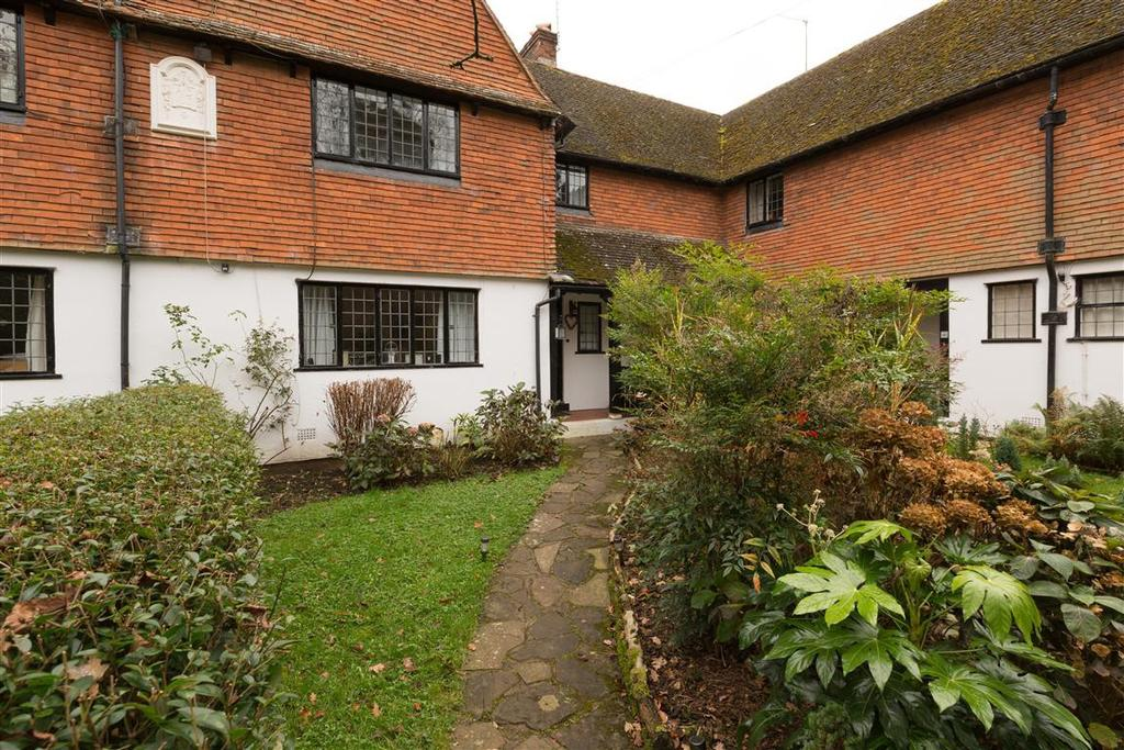 3 Bedrooms House for rent in Lake Cottages, Witley Park, Thursley, Godalming, Surrey, GU8