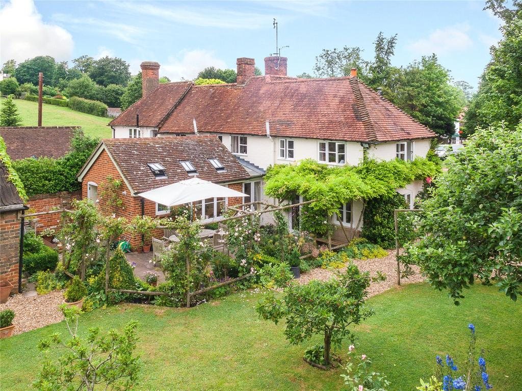 4 Bedrooms Semi Detached House for sale in Alton Road, South Warnborough, Hook, Hampshire
