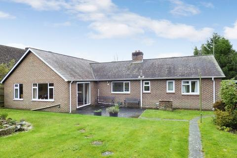 3 bedroom bungalow for sale - Lower Station Road, Newick