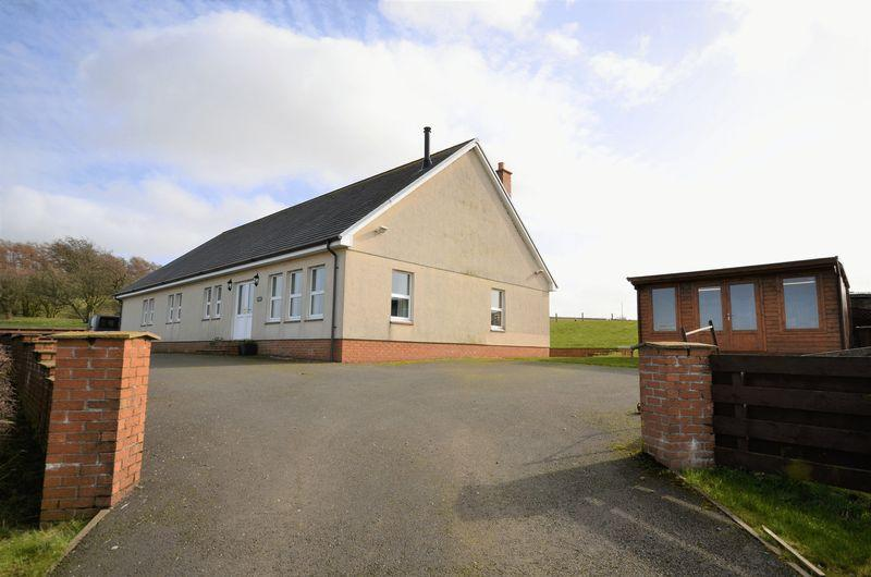 5 Bedrooms Detached Bungalow for sale in Cloverview, Hollybush, by Ayr KA6 7ED