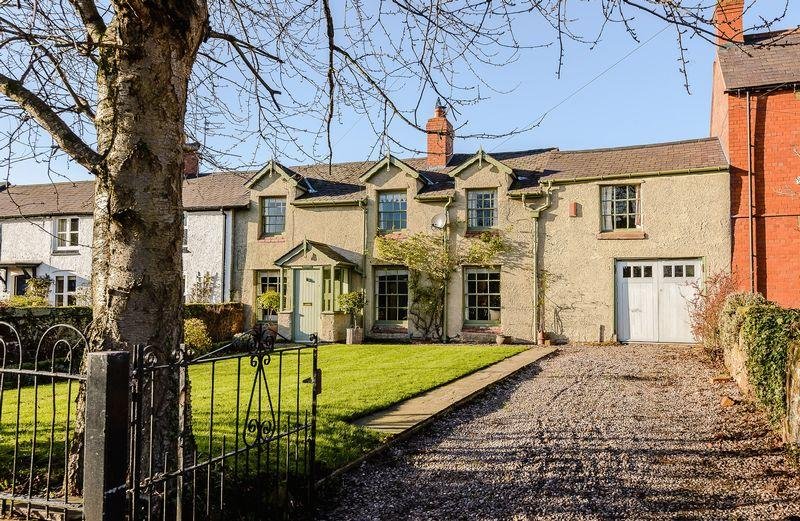 4 Bedrooms Terraced House for sale in Holt, Nr. Chester