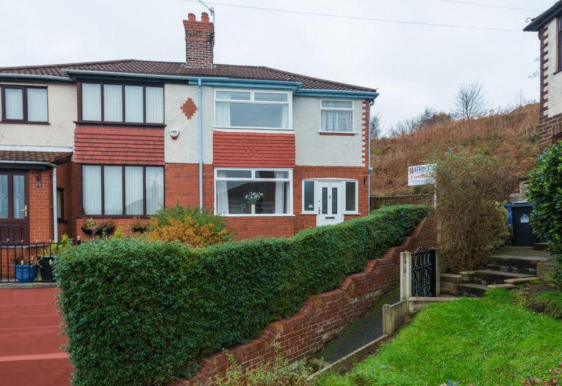 3 Bedrooms Semi Detached House for sale in Cameron Avenue, Weston Point, Runcorn