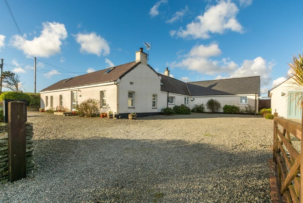 6 Bedrooms Cottage House for sale in Llanfaethlu, Holyhead, North Wales