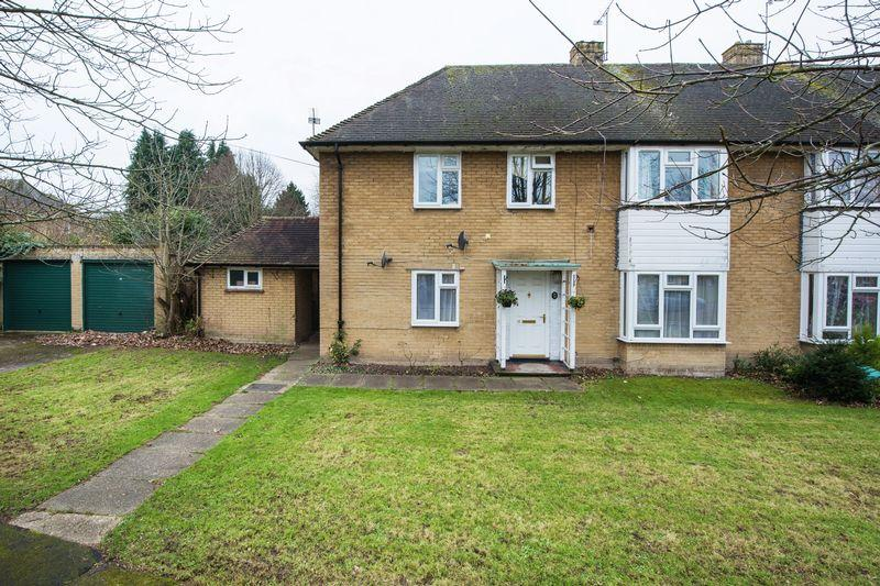 2 Bedrooms Apartment Flat for sale in East Horsley
