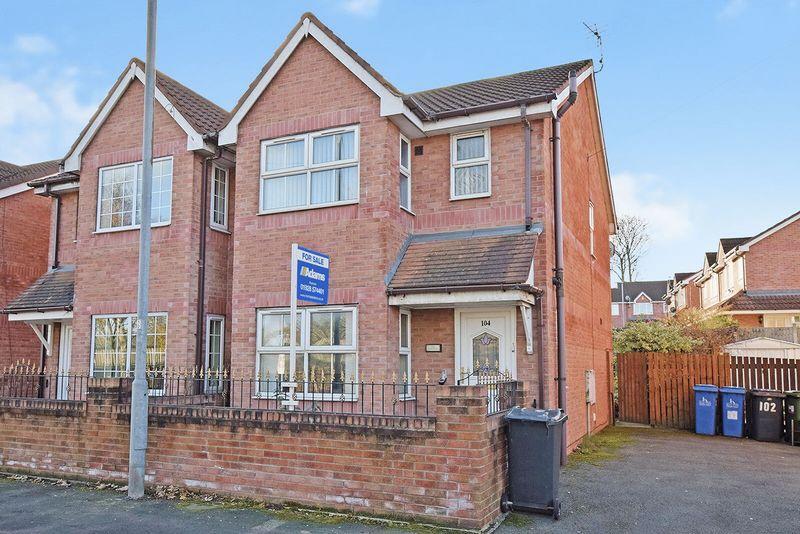 3 Bedrooms Semi Detached House for sale in Halton Road, Runcorn