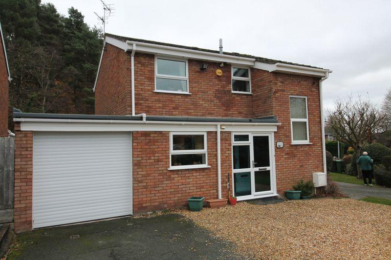 3 Bedrooms Detached House for sale in Westerkirk Drive, Madeley, Telford