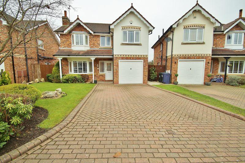 4 Bedrooms Detached House for sale in Pinewood Close, Southport