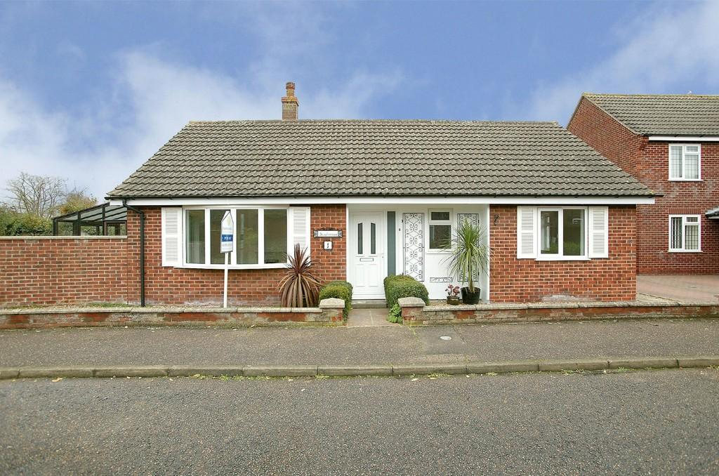 3 Bedrooms Detached Bungalow for sale in Smock Mill Loke, Wymondham