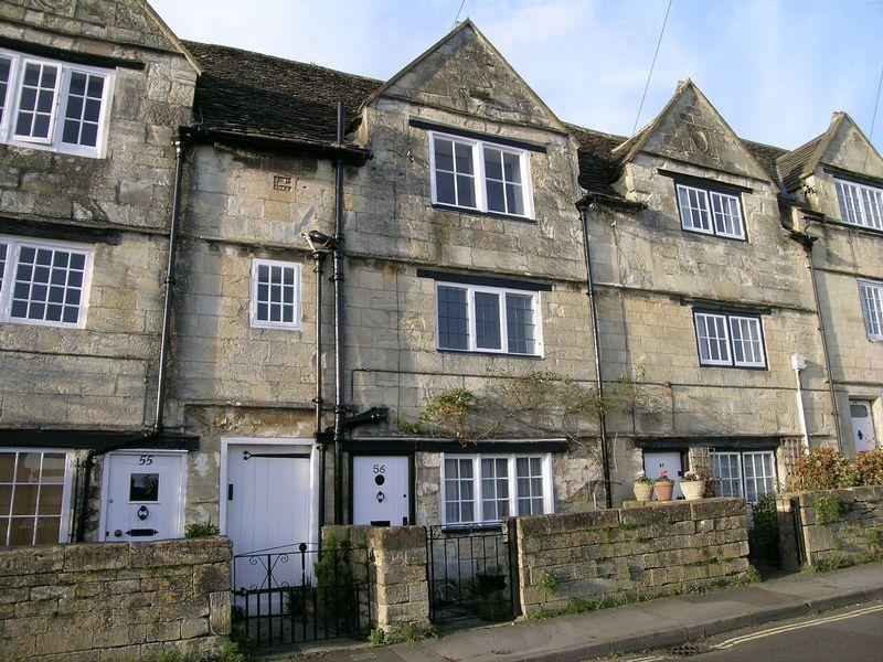2 Bedrooms Cottage House for rent in Newtown, Bradford on Avon