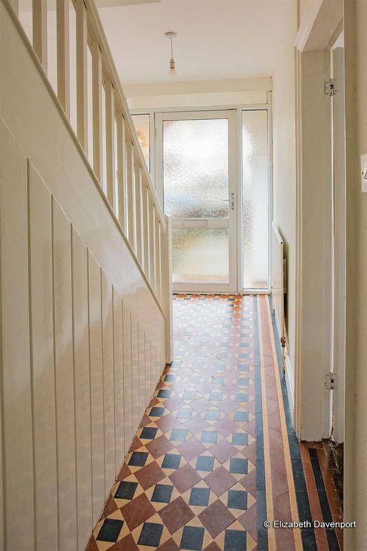 Hallway with Minton